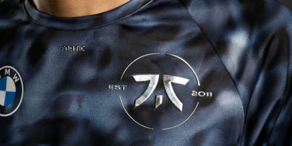 Le nouveau maillot de Fnatic pour les Worlds 2021