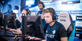 Kjaerbye prolonge chez North